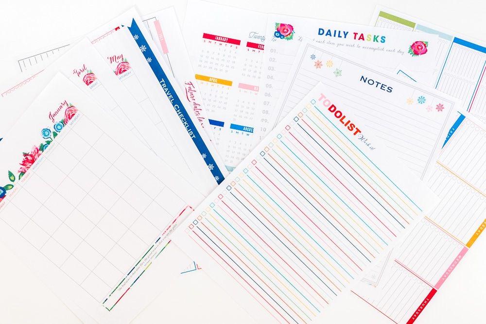 Чтобы планировщик было легче носить в сумке, вы можете распечатывать страницы только на месяц. Как сделать личный планировщик