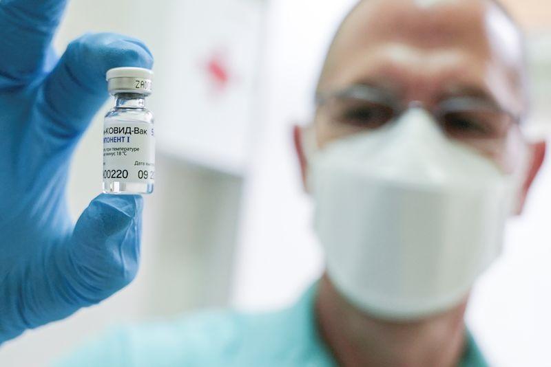 В России начались клинические испытания вакцины «Спутник Лайт» от коронавируса