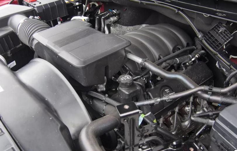 GMC Sierra 2500 HD 2021 года: мощный пикап с возможностью буксировки и 8-цилиндровым двигателем