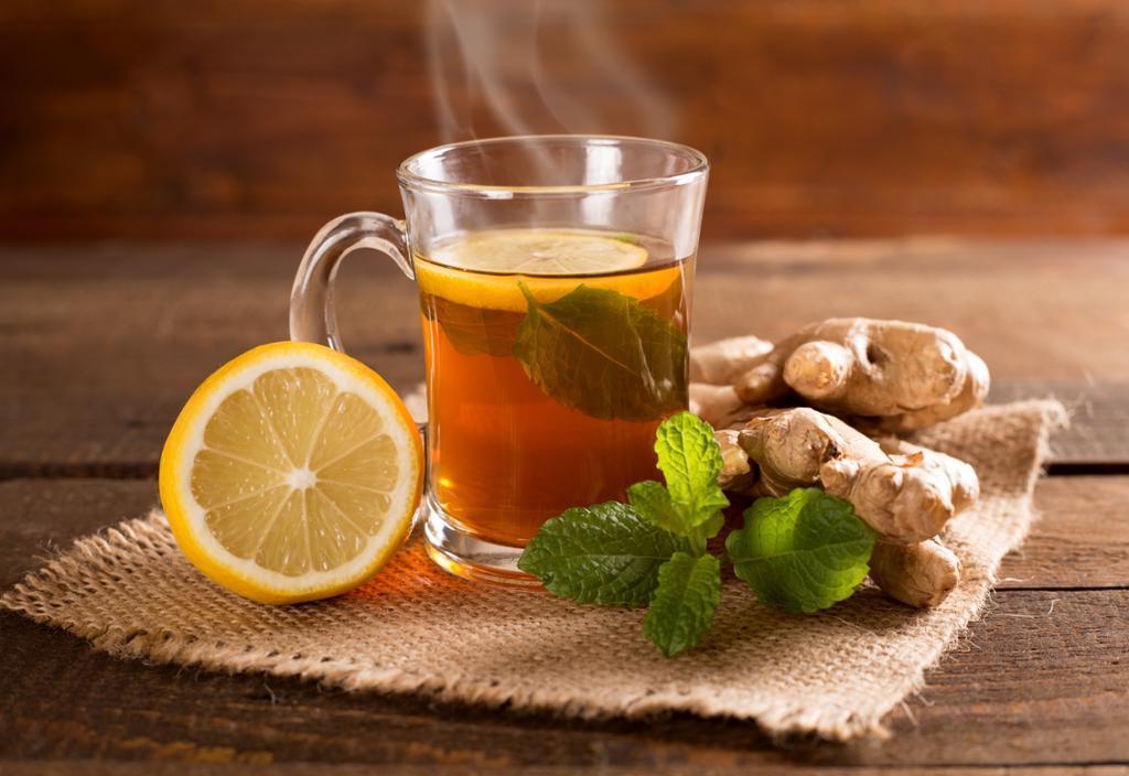 Куркума, корень солодки и не только: что добавить в чай для укрепления иммунитета
