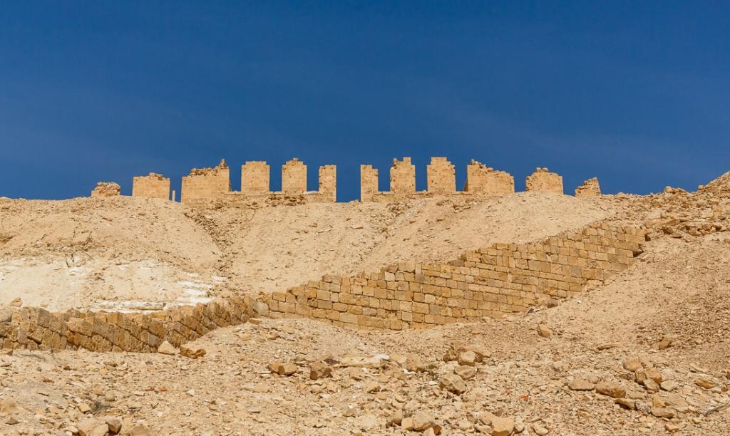 """Надгробие """"блаженной и непорочной девы Марии"""" возрастом около 1400 лет обнаружили в Израиле"""