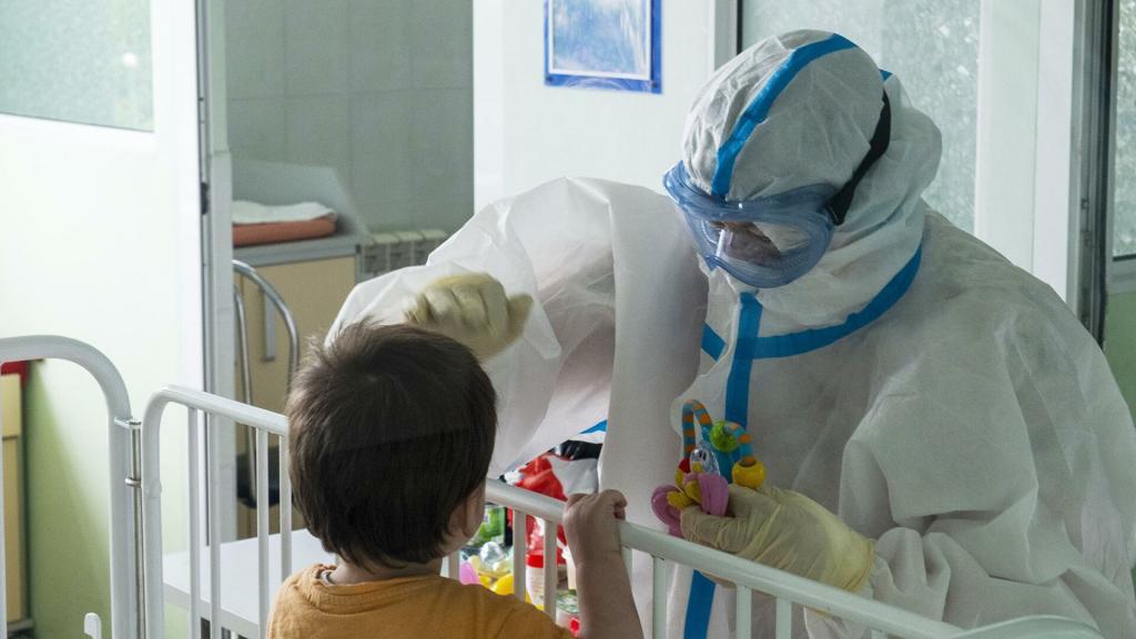 Как определить коронавирус у детей: 5 симптомов, которые отличаются от взрослых