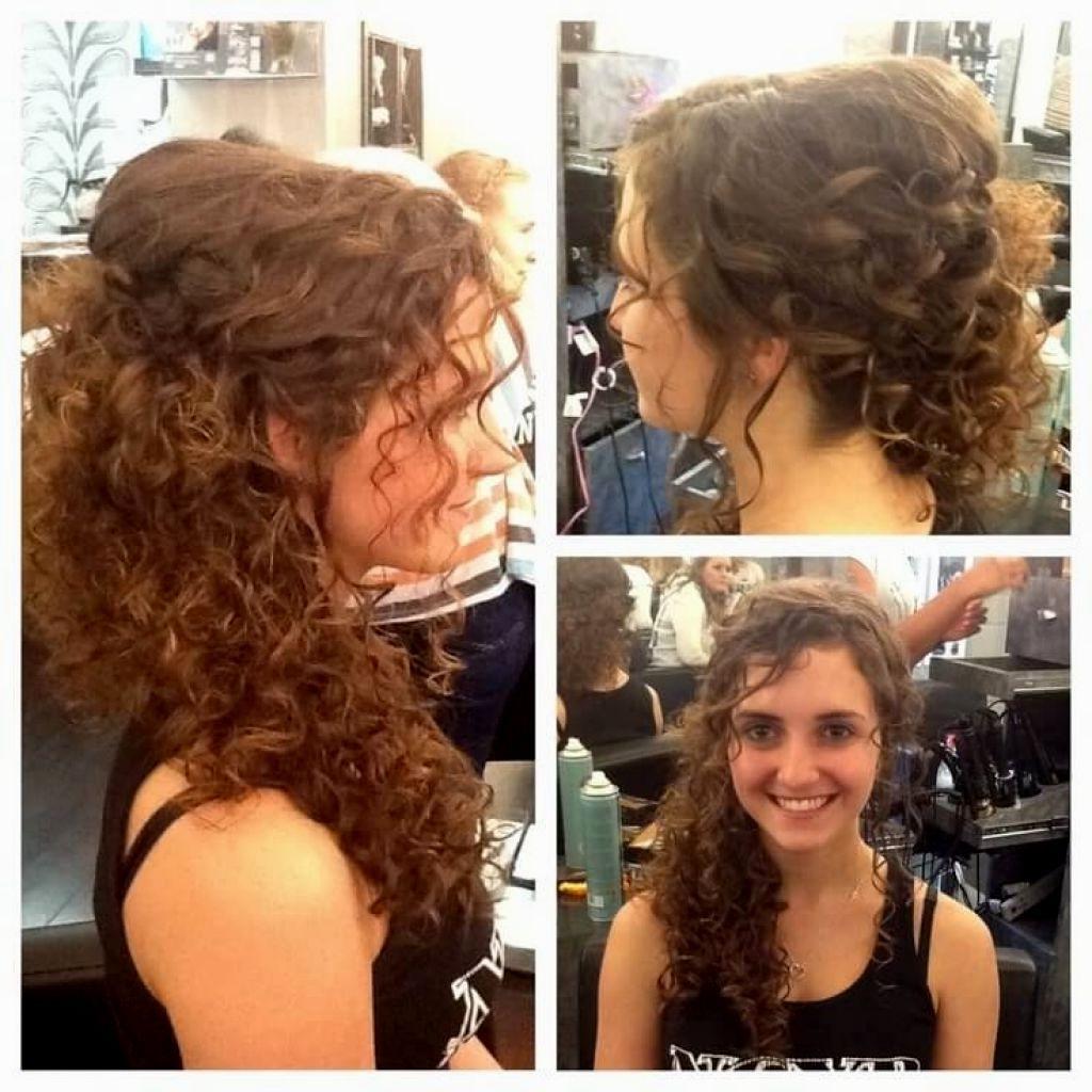 Девушки с кучерявыми волосами оценят: идеи стильных причесок (фото)