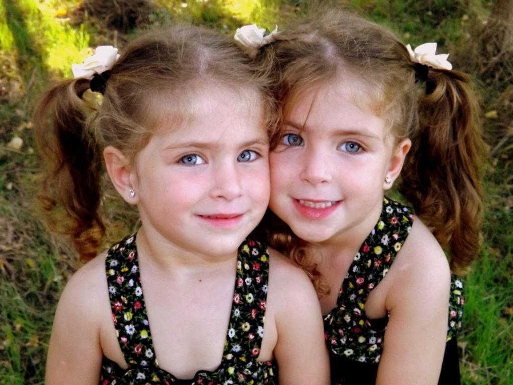 Близнецы совсем не идентичны: в первую неделю развития происходят генные мутации
