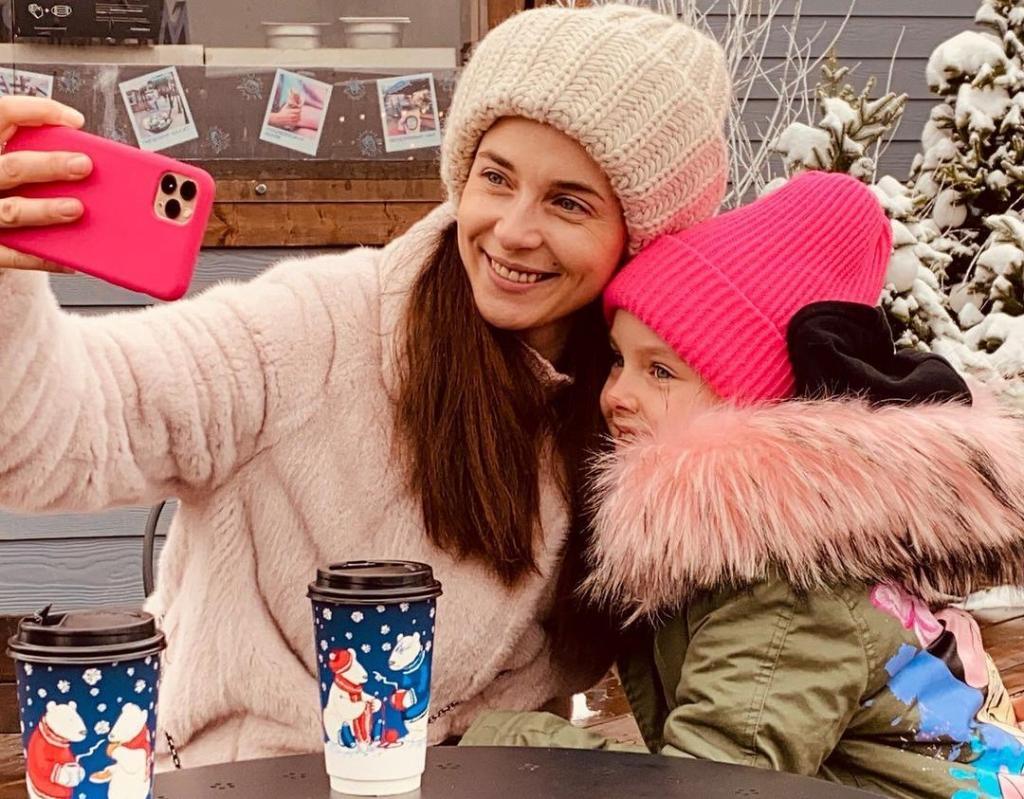 Новогодние каникулы: Анна Снаткина показала, как провела время с семьей
