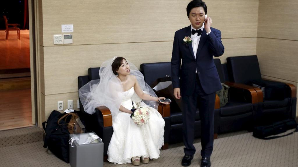 Что такое согэтхин, почему на улицах не целуются и другие факты о романтических отношениях в Южной Корее