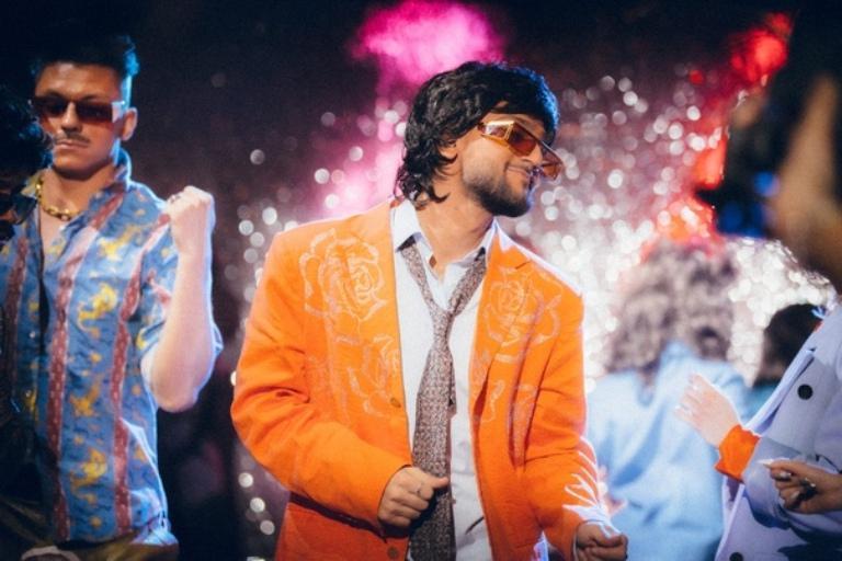"""""""Комедийный шедевр"""". Новогоднее шоу Урганта стало сенсацией 2020 года (видео)"""