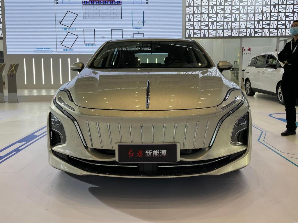Китайцы представили электроседан Hongqi E-QM5: интерьер и экстерьер новинки оформлены не без странностей