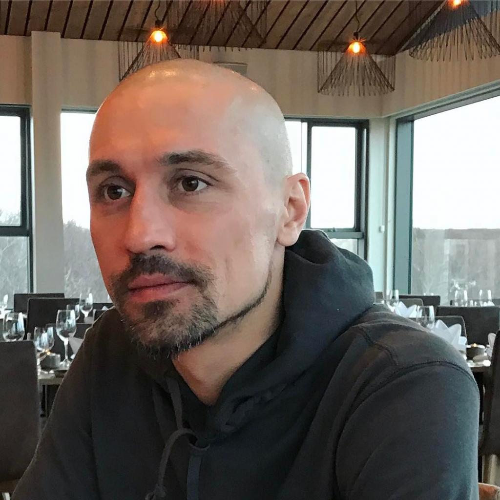 «Ох как надоели волосы!»: Дима Билан сменил имидж, побрившись налысо