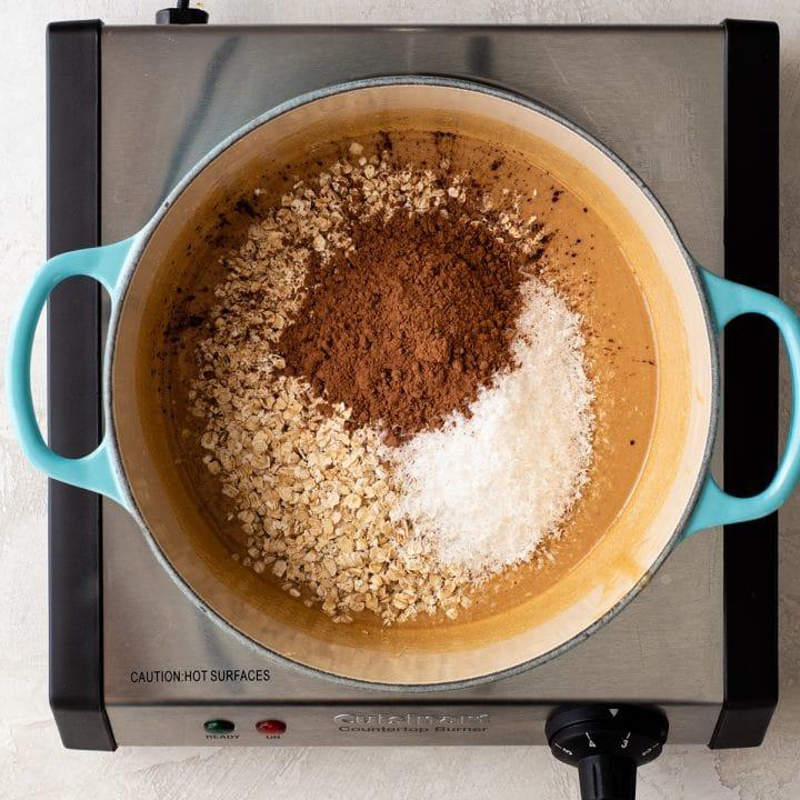 Несложный рецепт очень вкусного овсяно-шоколадного печенья: выпекать не надо