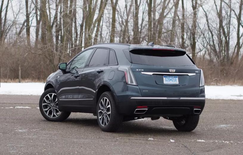 Cadillac XT5 2021 года: роскошный внедорожник с элитным интерьером и 4-цилиндровым двигателем с турбонаддувом