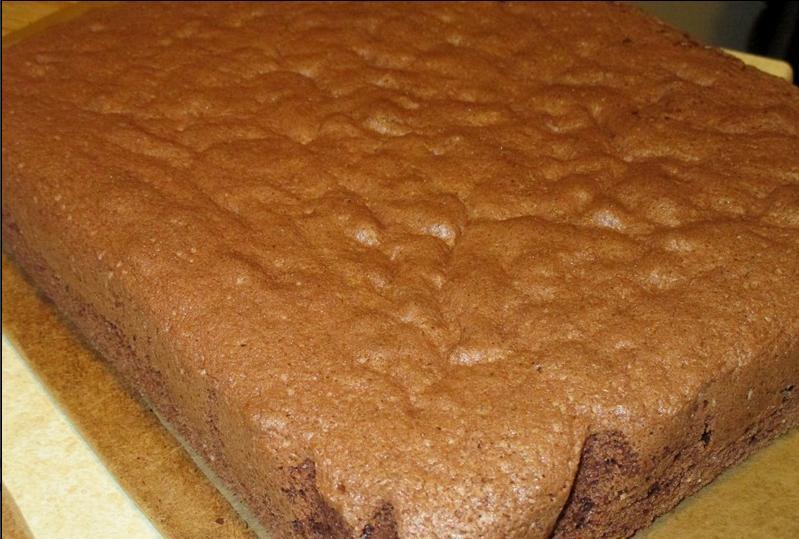 """У торта """"Капучино"""" два главных достоинства: он в меру сладкий и очень вкусный"""