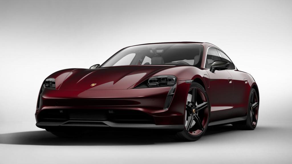 Кто круче: Porsche продала в 2020-м более 20 000 электромобилей Taycan, а Audi - почти 50 000 электрокроссоверов e-tron
