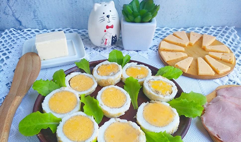 Надоели омлет и глазунья? Необычное длинное яйцо удивит всех домочадцев