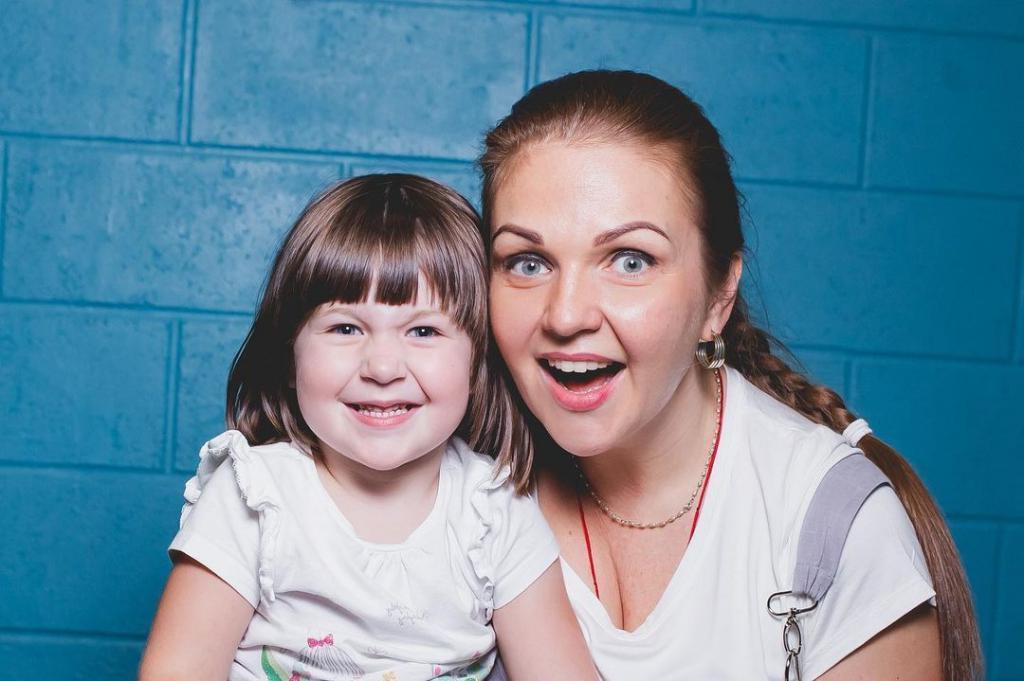 Потеряла любимого и родила дочь в 33 года. Куда исчезла с экранов певица Марина Девятова и как она сейчас выглядит (новые фото)