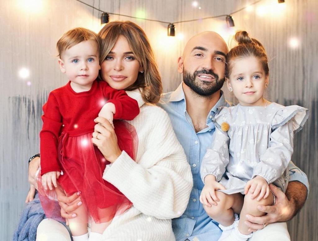 Анна Хилькевич показала двухлетнюю дочь Машу и рассказала, как ее воспитывает (новые фото)