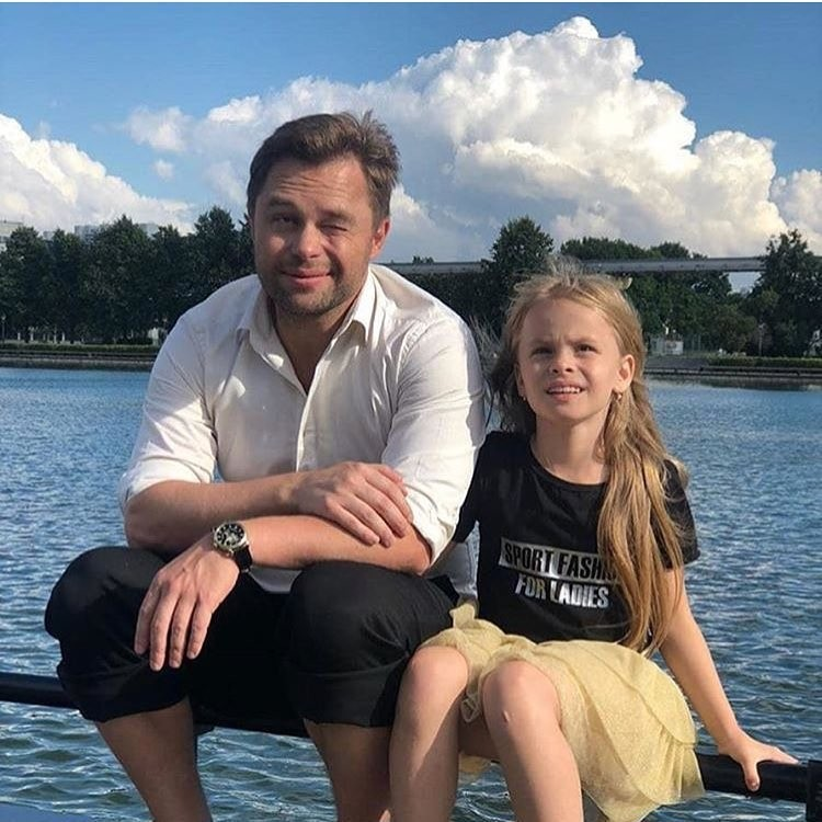 Виталий Гогунский объяснил, почему не платит алименты на дочь