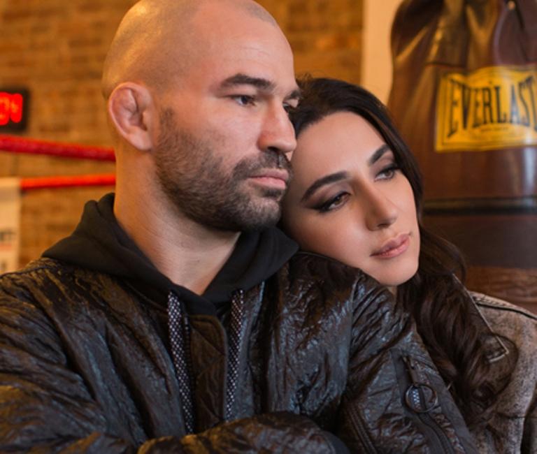 Певица Зара рассказала о двух болезненных разводах. С кем она встречается сейчас?