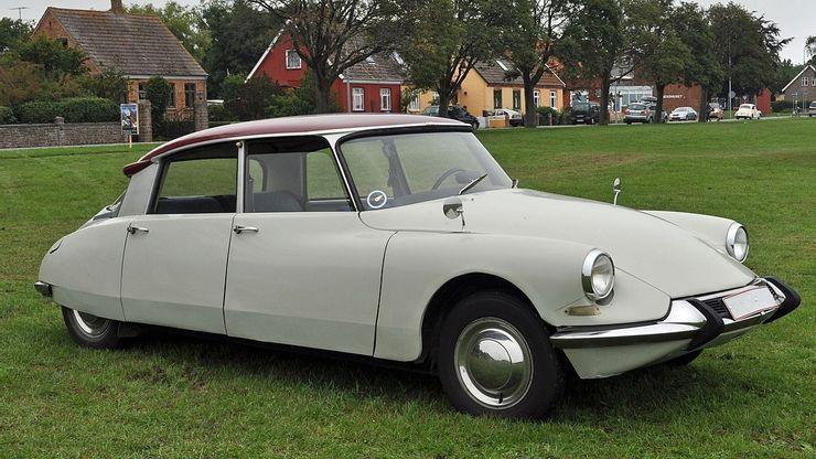 Не без причуд: десятка самых странных роскошных автомобилей из всех когда-либо созданных