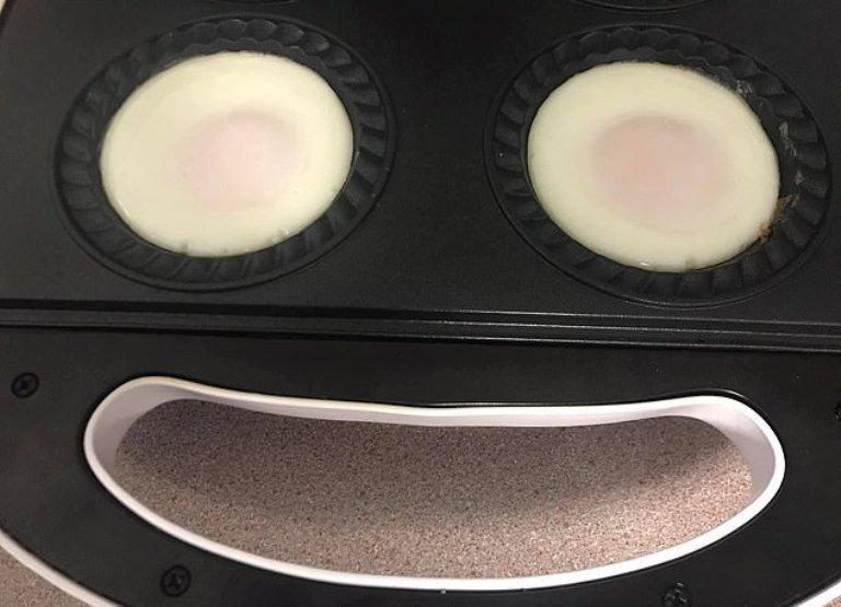 Понадобится бутербродница! Австралийка поделилась секретами приготовления идеальной яичницы