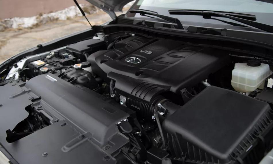 Infiniti QX80 2021 года: трехрядный роскошный внедорожник с 8-цилиндровым двигателем