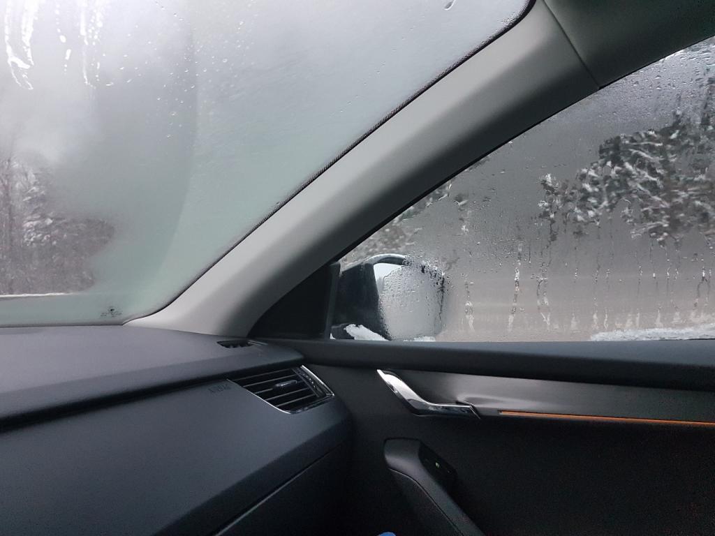 Компания Ford нашла решение проблемы запотевания стекол в автомобиле (видео)
