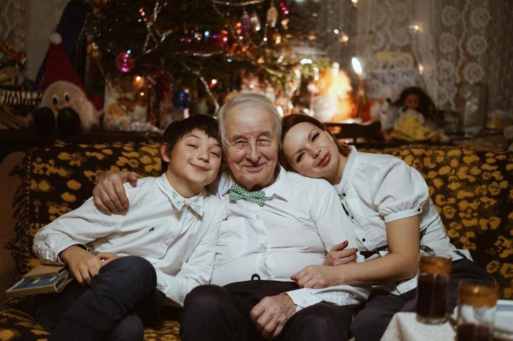 Говорят, что сын Алисы Гребенщиковой рожден от Ильи Авербуха. Как сейчас выглядит 13-летний Алеша (новые фото)