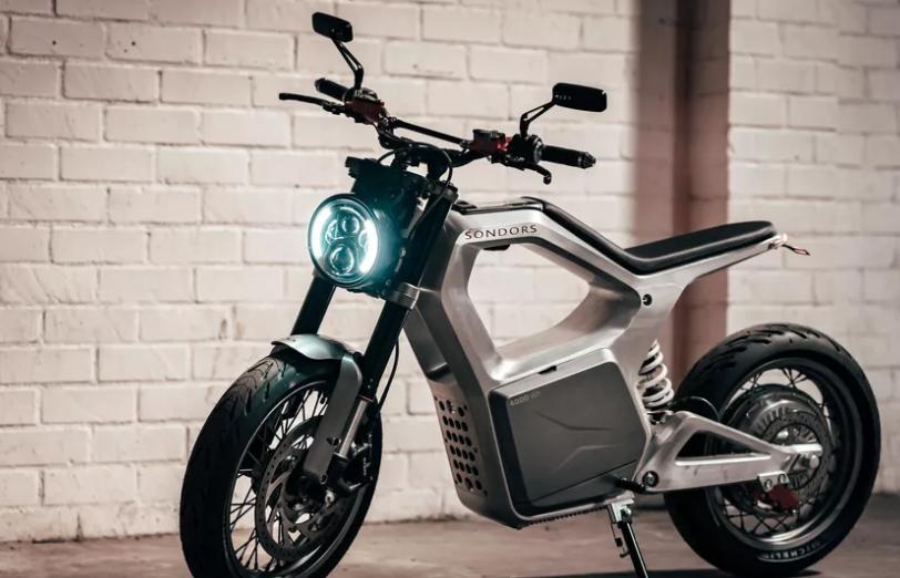 Sondors Metacycle - первый полностью электрический мотоцикл с запасом хода в 130 километров и максимальной скоростью 128 км/час