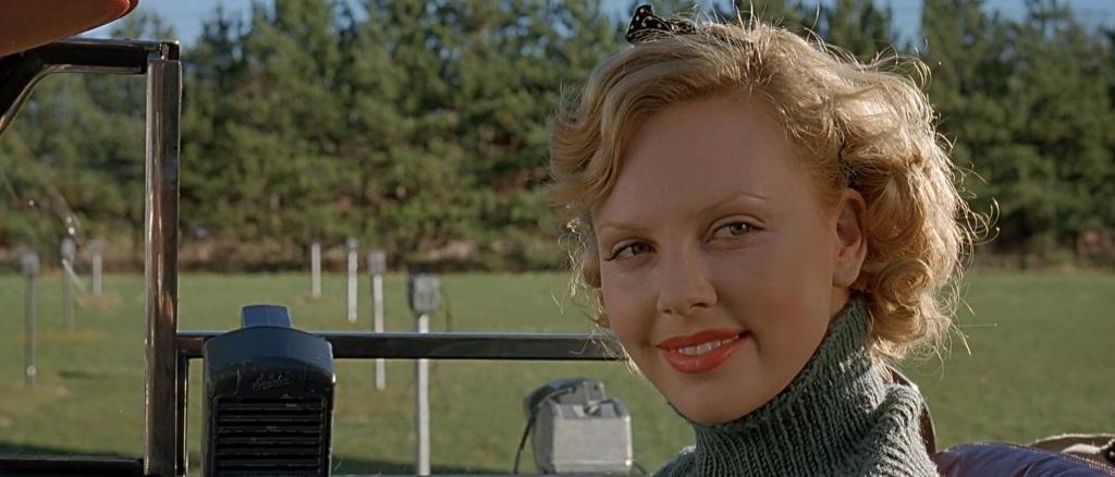 Счастливый случай помог Шарлиз Терон стать актрисой - если бы не сцена в банке, мы бы ее не знали