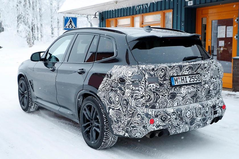 Рестайлинговый BMW X3 M 2022 года был замечен во время зимних испытаний