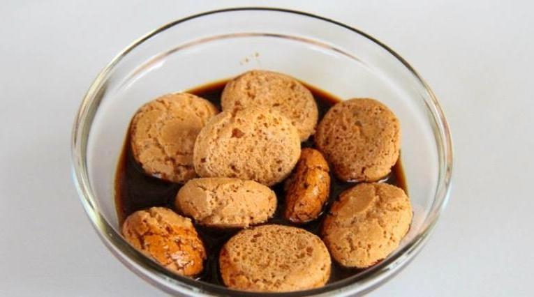 Клубнично-кофейный десерт с печеньем маскарпоне: делаю и подаю в порционных стаканчиках