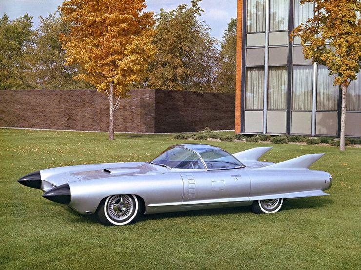 Одноместный суперкар и машина-амфибия: фото самых редких и самых ценных для любого коллекционера авто