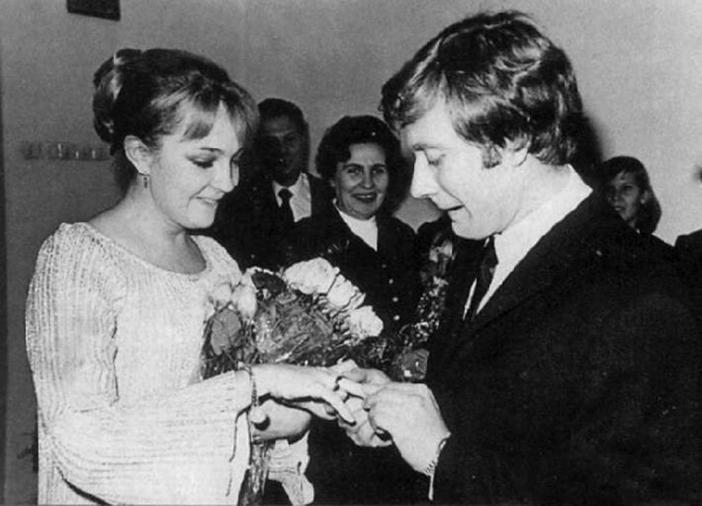 """""""А я хочу по любви"""": звезды, которые сыграли свадьбу назло своим семьям"""