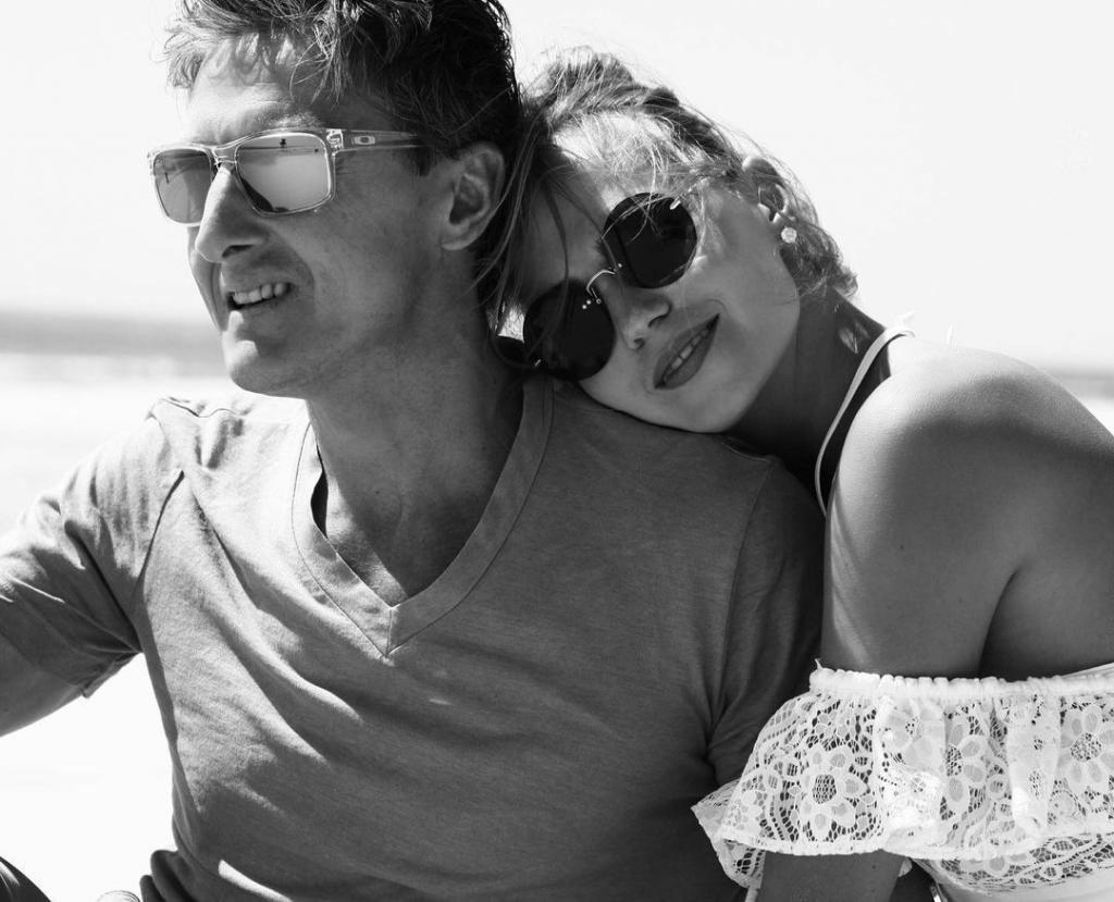 Редкие кадры супруга певицы Глюкозы. Наталья Ионова показал мужа-красавца