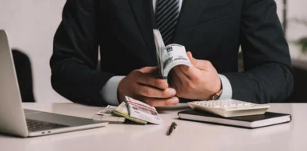 С богатыми людьми и их налогами теперь будет работать особый отдел - VIP-инспекция