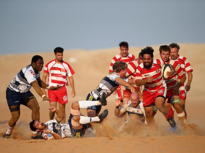 футбол на берегу