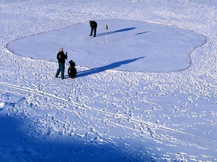 Снежный гольф