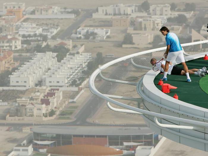 теннис на вертолетной площадке