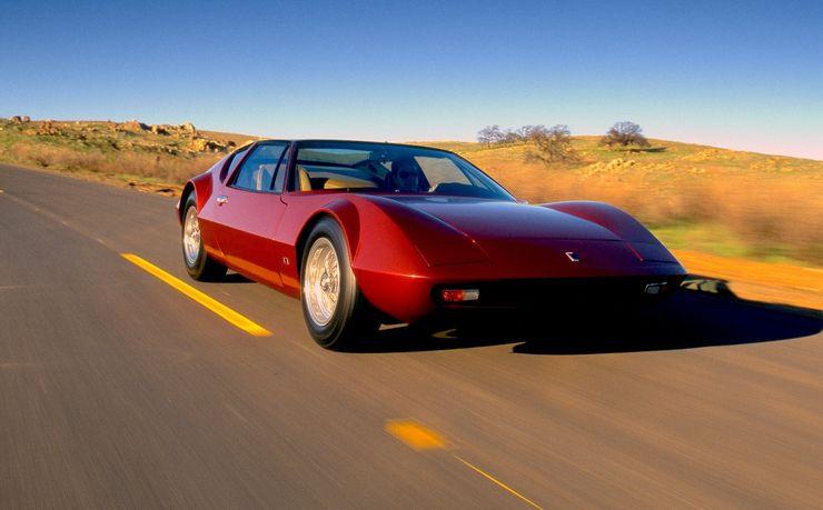 Шесть колес и низкая посадка: топ самых странных спортивных автомобилей, которым не суждено было просуществовать долго (фото)