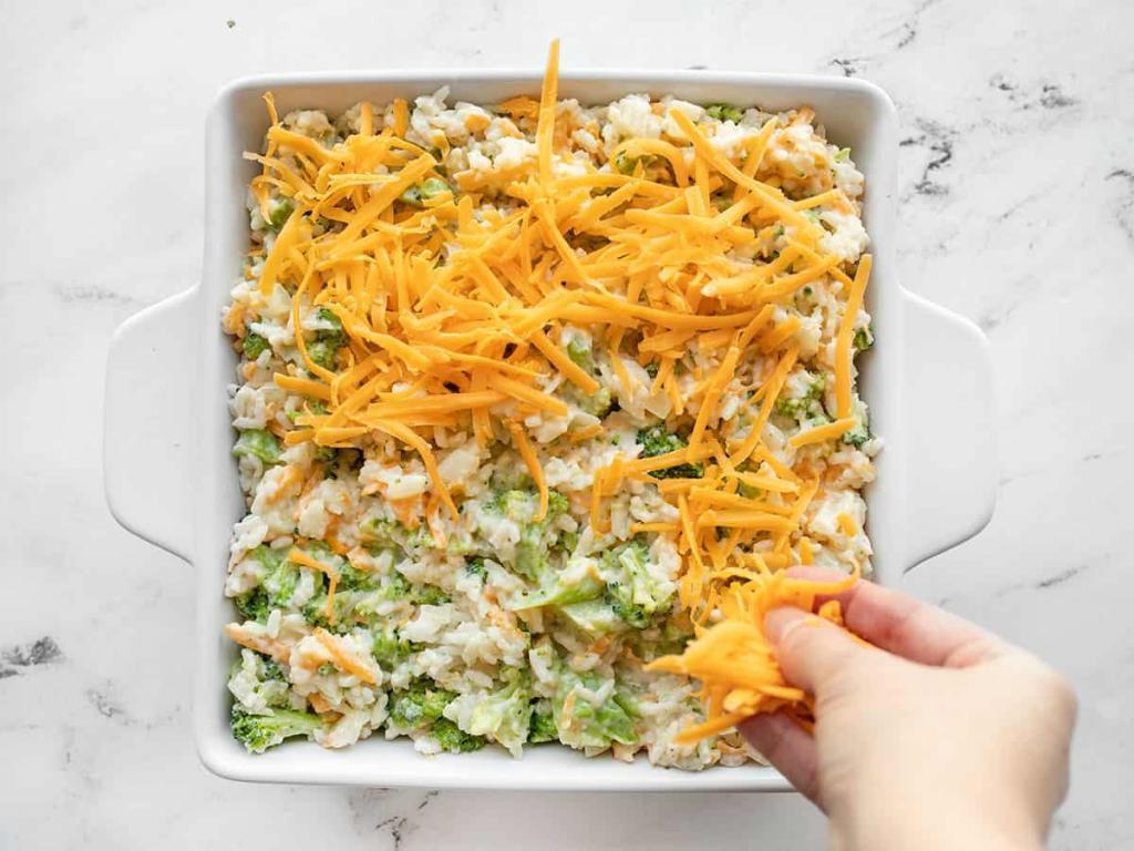 Запеканка с брокколи и сыром. Для сытности добавляю рис (рецепт с фото)