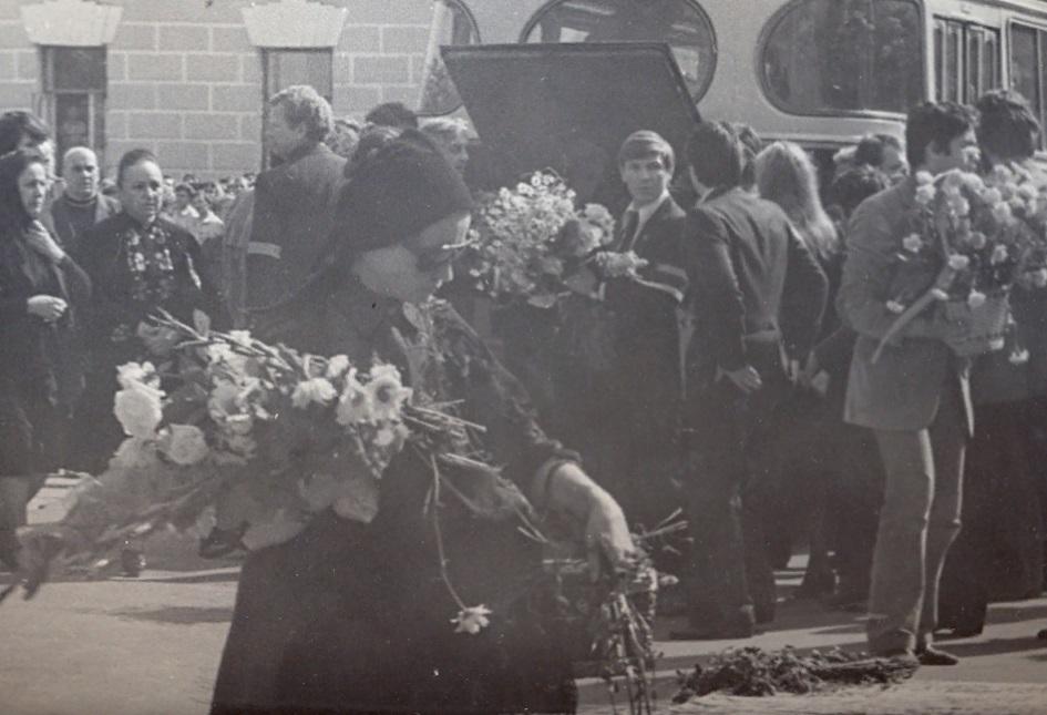 Почему власти СССР старались всеми силами скрыть кончину Высоцкого и были против проведения массового прощания с ним