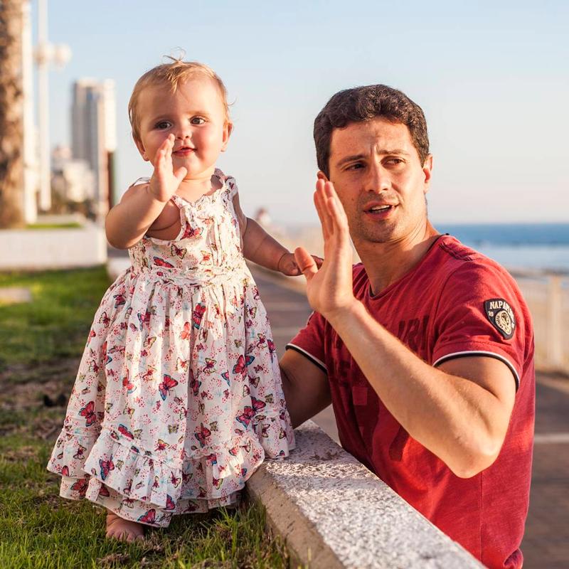 """""""Эта женщина мне была послана Богом"""": почему Антон Макарский за 20 лет брака несколько раз пытался уйти от жены"""