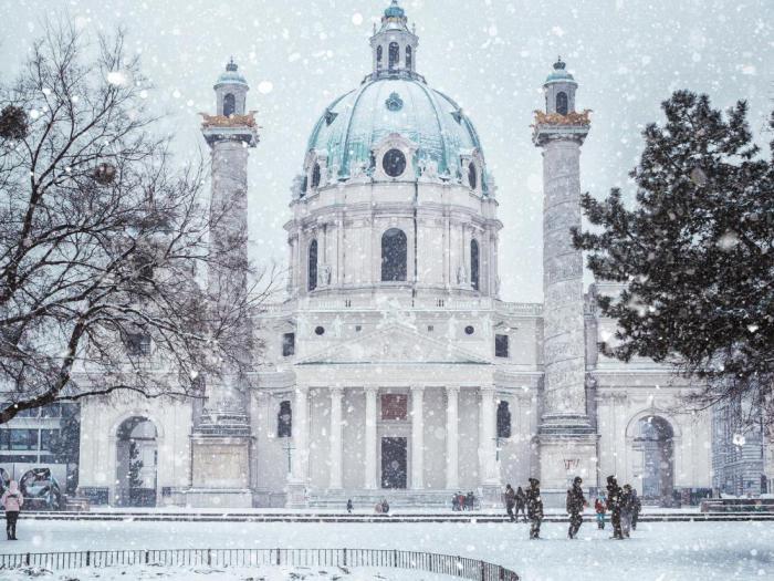 Winter beauty of European cities: the 11 best destinations