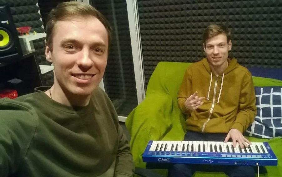 «Звук поставим на всю, и соседи не спят»: Иван и Михаил Засидкевичи не страдают звездной болезнью, а продолжают усердно работать