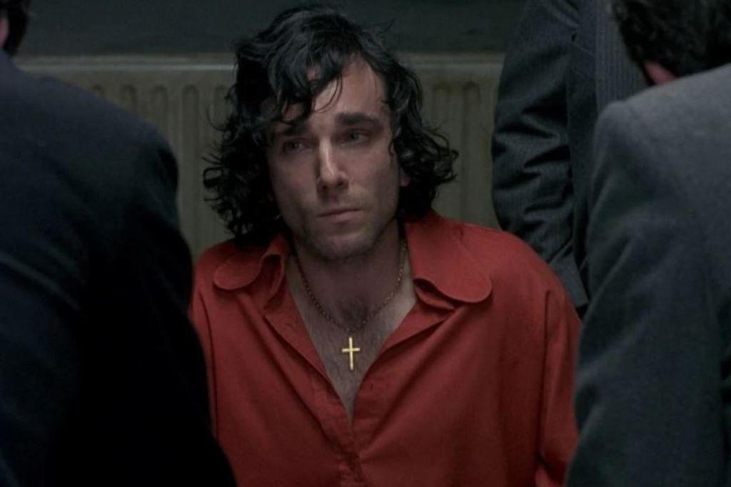 Потерянный зуб и три ночи в тюрьме: на какие жертвы шли актеры, чтобы максимально вжиться в роль