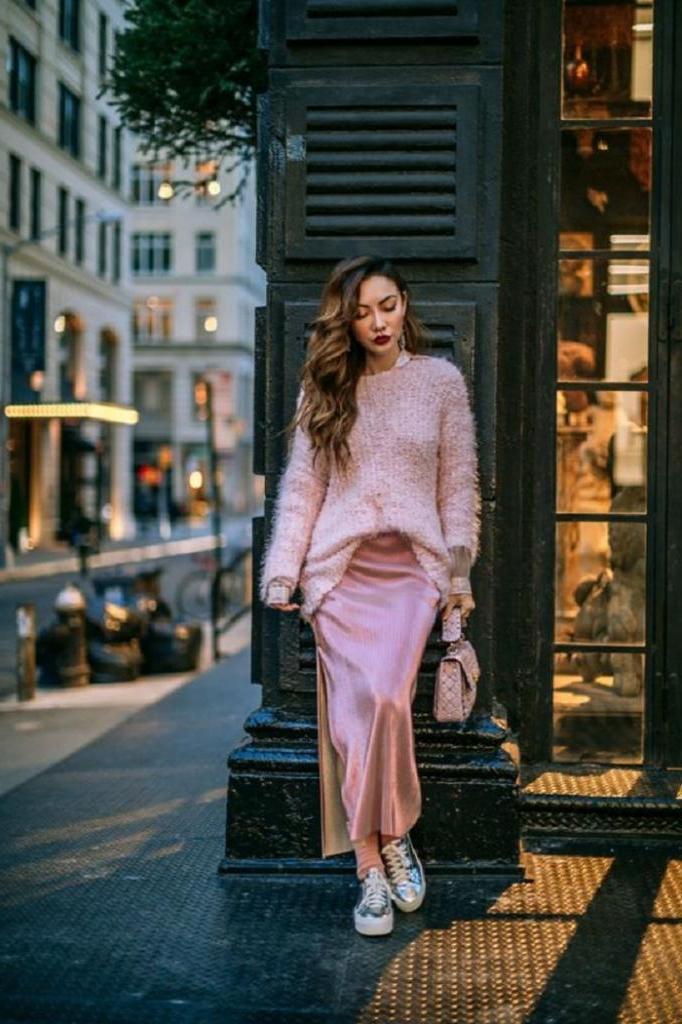 Обновляем свой гардероб: несколько романтичных образов на весну-2021