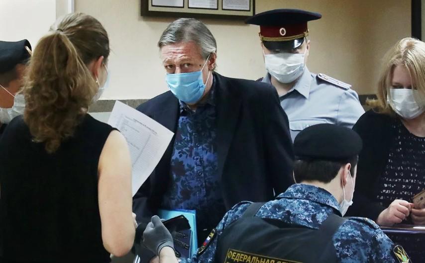 Новое дело Михаила Ефремова: в рамках расследования его допрашивали 5 часов