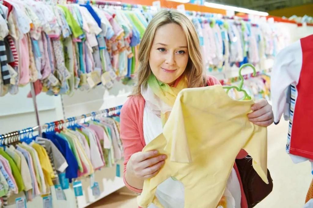 Ребенок стоит дорого: щетка для корочек, манеж и другие детские вещи, на которые родители зря тратят деньги (мнение педиатра)