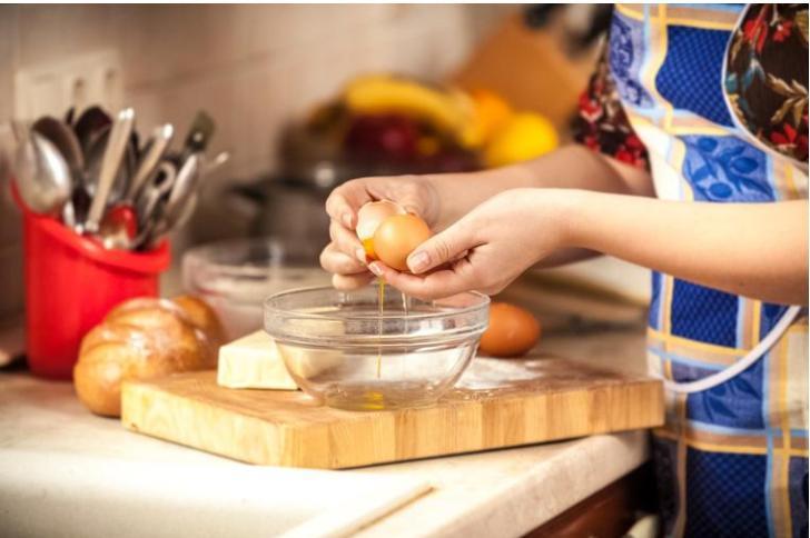 """""""На завтрак я ела только яичные белки"""": девушка рассказала, как отреагировало тело на двухнедельный эксперимент"""