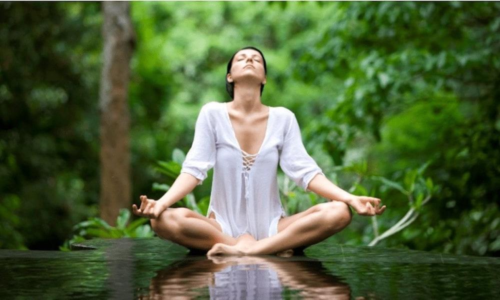 Дыхательная гимнастика поможет снять стресс и тревожность: 5 действенных упражнений